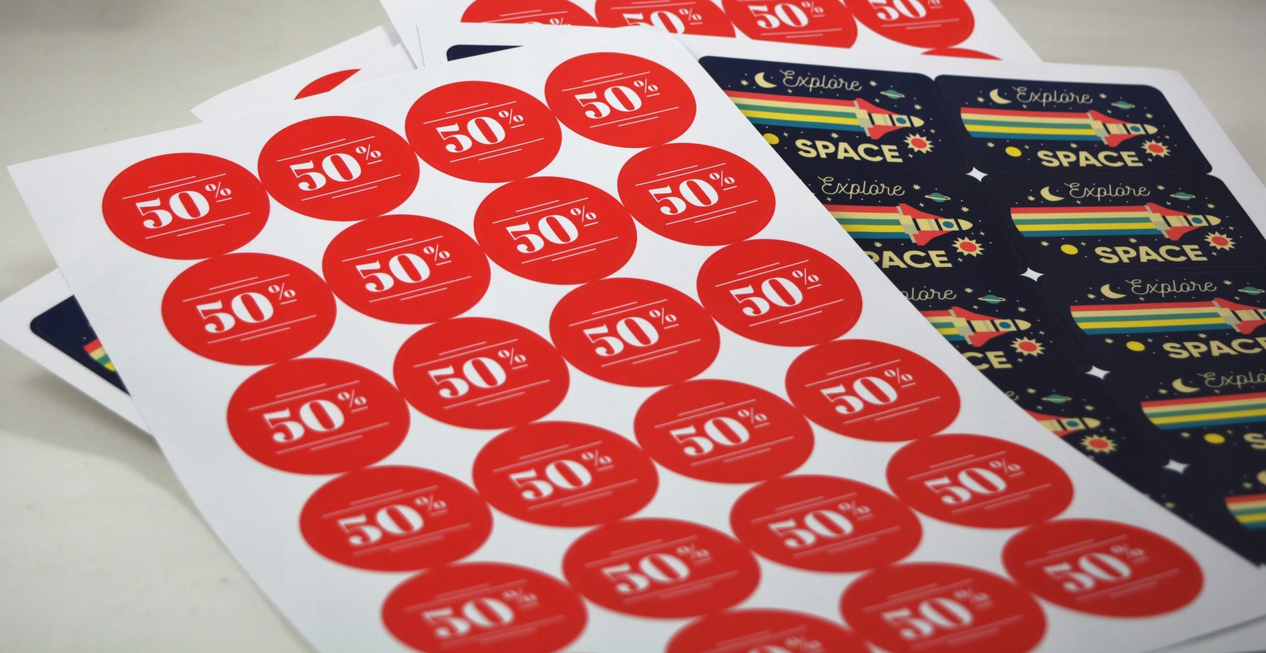 Печать наклеек на бумаге в Москве | фото 3