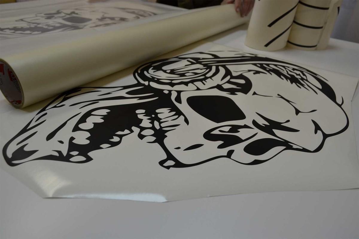 Печать стикеров на плёнке Orajet в Москве | фото 6