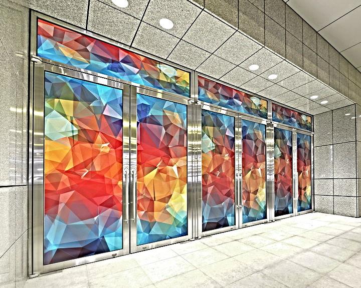 Печать наклеек на стекло витрины в Москве   фото 5